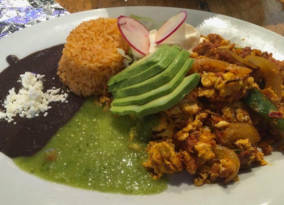 Huevos Con Chorizo at Los Mayas - joecontent.net